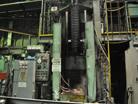 竪型移動焼入機